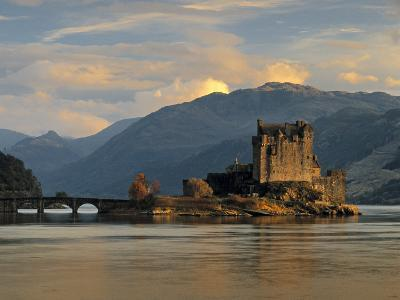 Eilean Donan Castle, Western Highlands, Scotland-Gavin Hellier-Photographic Print