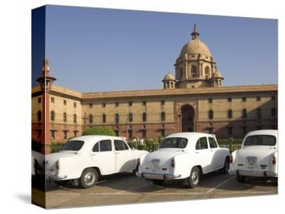 The Secretariats, Rashtrapati Bhavan, with White Official Ambassador Cars with Secretatriat, India