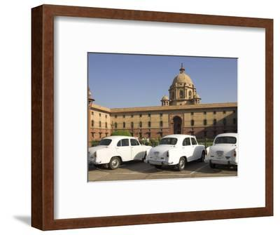 The Secretariats, Rashtrapati Bhavan, with White Official Ambassador Cars with Secretatriat, India