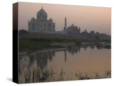 View at Dusk Across the Yamuna River of the Taj Mahal, Agra, Uttar Pradesh State, India