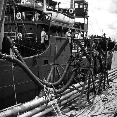 El Barco Oil Being Piped into Texaco and Socony-Vacuum Tankers--Photographic Print
