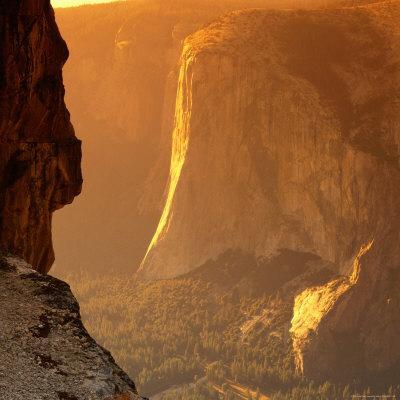 https://imgc.artprintimages.com/img/print/el-capitan-at-sunset-yosemite-national-park-usa_u-l-p4gnbv0.jpg?p=0