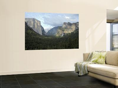 El Capitan (Left), Cloud's Rest in the Clouds, Half Dome and Cathedral Peaks-Douglas Steakley-Giant Art Print
