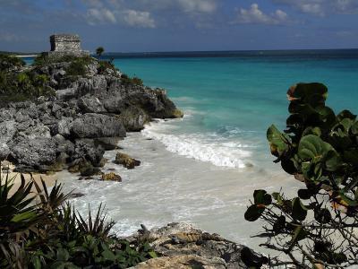 El Castillo on a Cliff Overlooking the Ocean-Raul Touzon-Photographic Print