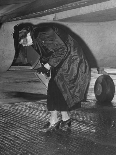 Eleanor Roosevelt Examining Rear Turret-Gunner's Compartment under the Tail Assembly of US Bomber--Photographic Print