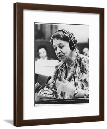 Eleanor Roosevelt Speaking at the United Nations in July 1947--Framed Giclee Print