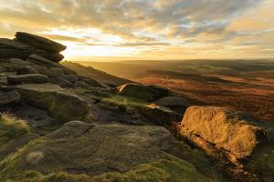Carl Wark Hill Fort and Hathersage Moor from Higger Tor, sunrise in autumn, Peak District National  by Eleanor Scriven