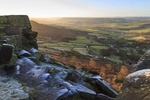 Curbar Edge, at sunrise on a frosty winter morning, Peak District National Park, Derbyshire, Englan by Eleanor Scriven