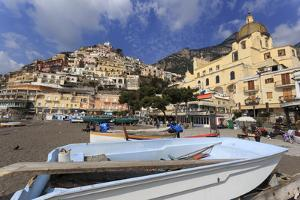 Small Boats on Beach, Positano, Costiera Amalfitana (Amalfi Coast), Campania, Italy by Eleanor Scriven