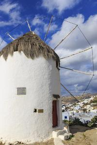 Whitewashed windmill and houses, Mykonos Town (Chora), Mykonos, Cyclades, Greek Islands, Greece, Eu by Eleanor Scriven