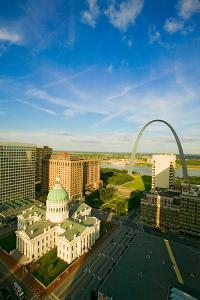 Elevated view of Saint Louis Historical Old Courthouse and Gateway Arch on Mississippi River, St...