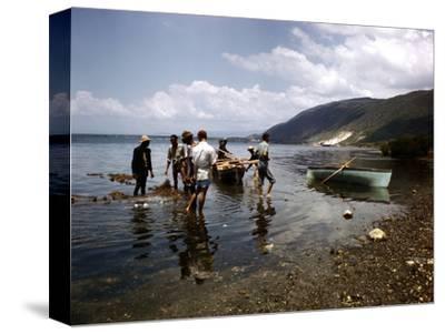 December 1946: Fishermen at Kingston Harbor in Jamaica