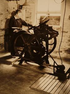 Elizabeth McCausland at her Printing Press, ca. 1935; Archive of American Art