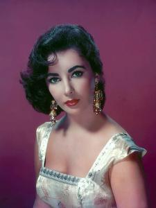 ELIZABETH TAYLOR in the 50's (photo)