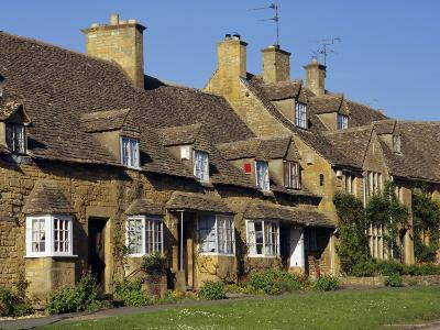 Elizabethan Cottages, Broadway, the Cotswolds, Hereford & Worcester, England, UK, Europe-Charles Bowman-Photographic Print