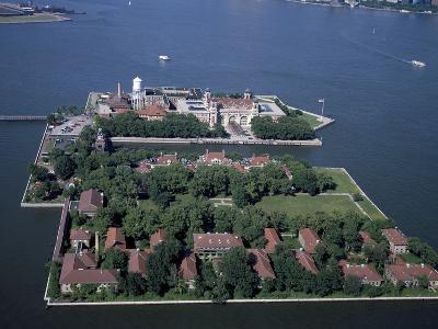 Ellis Island-Carol Highsmith-Photo