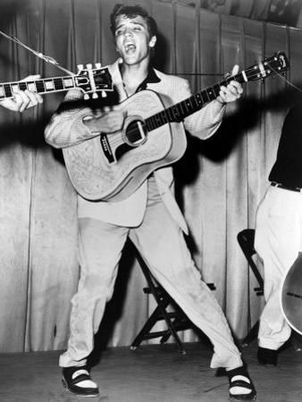Elvis Presley, Mid-1950s