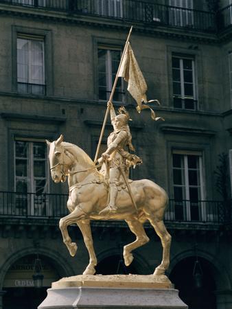 Joan of Arc, Monument in Paris