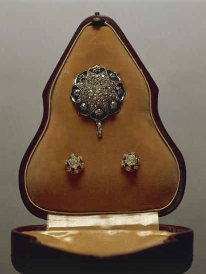 Enameled Gold and Diamonds Pendant and Earrings, with Case.--Giclee Print