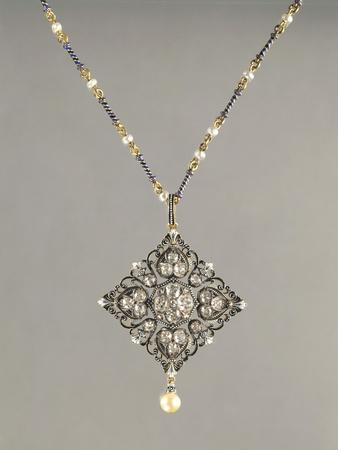 https://imgc.artprintimages.com/img/print/enamelled-gold-necklace-with-pendant-set-with-pearls-and-diamonds_u-l-pox4ac0.jpg?p=0