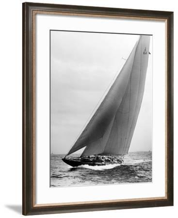 Endeavour: Second Day Finish--Framed Photographic Print