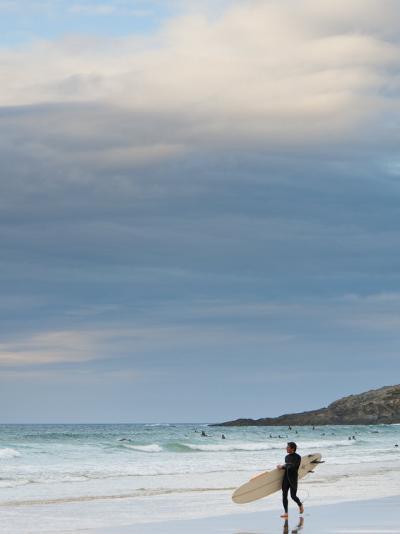 England, Cornwall, Newquay, Fistral Beach, Surfers, UK-Alan Copson-Photographic Print