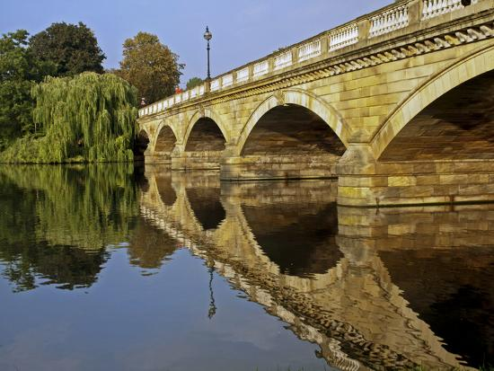 England, London, City of Westminster-Pamela Amedzro-Photographic Print