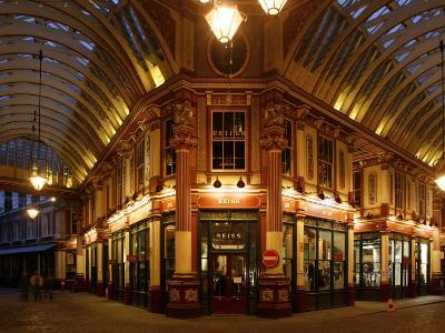 England, London, the Leadenhall Market in the City of London, UK-David Bank-Photographic Print