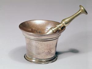 Apothecary's Pestle and Mortar, Early 18th Century (Brass and Copper) by English