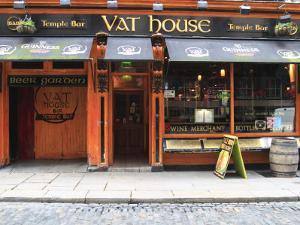 Vat House Pub Temple Bar Area by Eoin Clarke