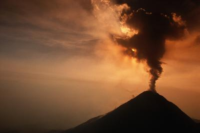 Eruption of the Colima Volcano-Roger Ressmeyer-Photographic Print