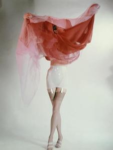 Vogue - February 1953 by Erwin Blumenfeld