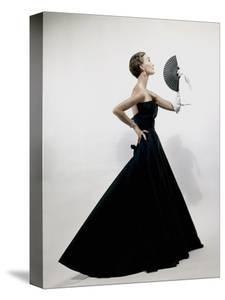 Vogue - November 1949 - Model wearing Christian Dior 1949 by Erwin Blumenfeld