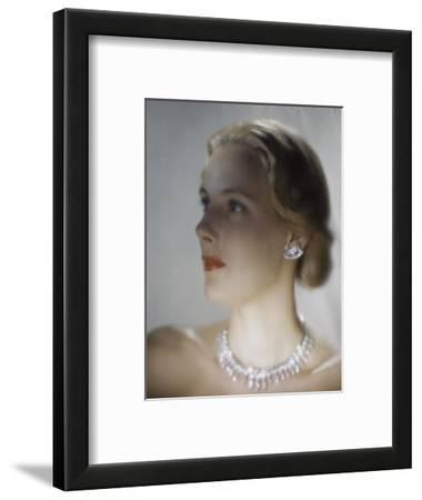 Vogue - October 1946 - Model in Van Cleef & Arpels Diamonds