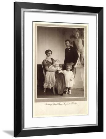 Erzherzog Carl Franz Josef Mit Frau Und Kindern--Framed Giclee Print