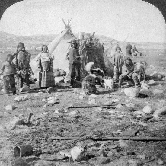 Eskimos, Nothern Greenland, 1904-Underwood & Underwood-Photographic Print