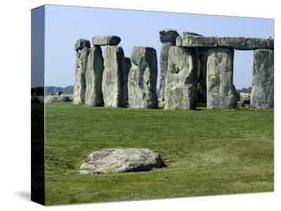 Standing Stone Circle of Stonehenge, 3000-2000BC, UNESCO World Heritage Site, Wiltshire, England