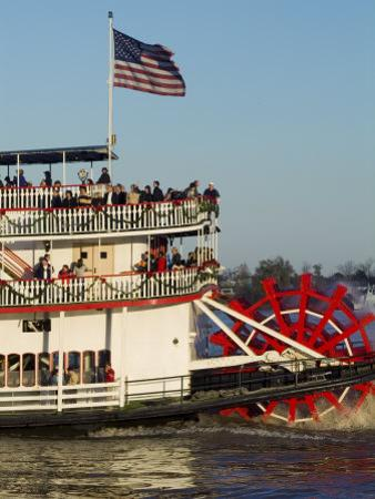 Sternwheeler on the Mississippi River, New Orleans, Louisiana, USA