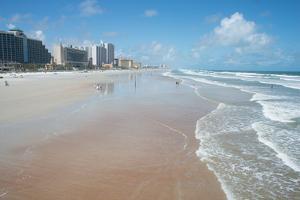 The beach at Daytona Beach, Florida, United States of America, North America by Ethel Davies
