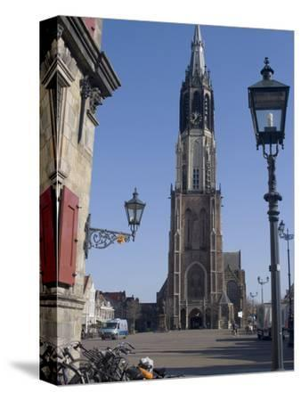 View of the Nieuwe Kerk (New Church) on the Market Square, Delft, Netherlands, Europe
