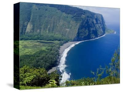 View of Waipio Valley, Island of Hawaii (Big Island), Hawaii, USA