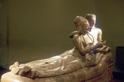 Etruscan Sarcophagus with Reclining Couple, Cerveteri, Italy, 6th Century Bc--Photographic Print