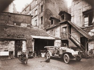 Eugene Atget Photograph of a Courtyard on Rue De Valence, Paris, Ca. 1920--Photo