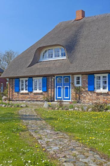Europe, Germany, Mecklenburg-Western Pomerania, Baltic Sea Island R?gen, Thatched Roof House-Chris Seba-Photographic Print