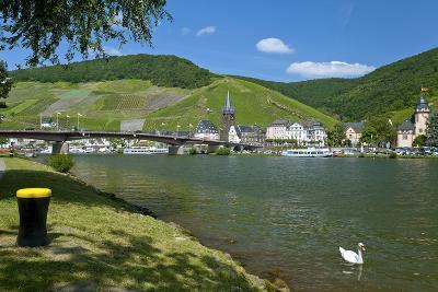 Europe, Germany, Rhineland-Palatinate, Bernkastel-Kues at Moselle River, Riverbank-Chris Seba-Photographic Print