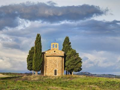 Europe, Italy, Tuscany, San Quirico Dorcia. the Vitaleta Chapel-Julie Eggers-Photographic Print