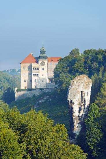Europe, Poland, Malopolska, Ojcow National Park, Pieskowa Skala Castle and Hercules Club-Christian Kober-Photographic Print