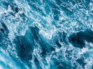 Turbulent Tasman Sea I by Eva Bane