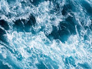 Turbulent Tasman Sea II by Eva Bane