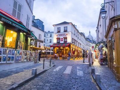 https://imgc.artprintimages.com/img/print/evening-light-and-restaurants-montmartre-region-of-paris_u-l-q1h3ur50.jpg?p=0